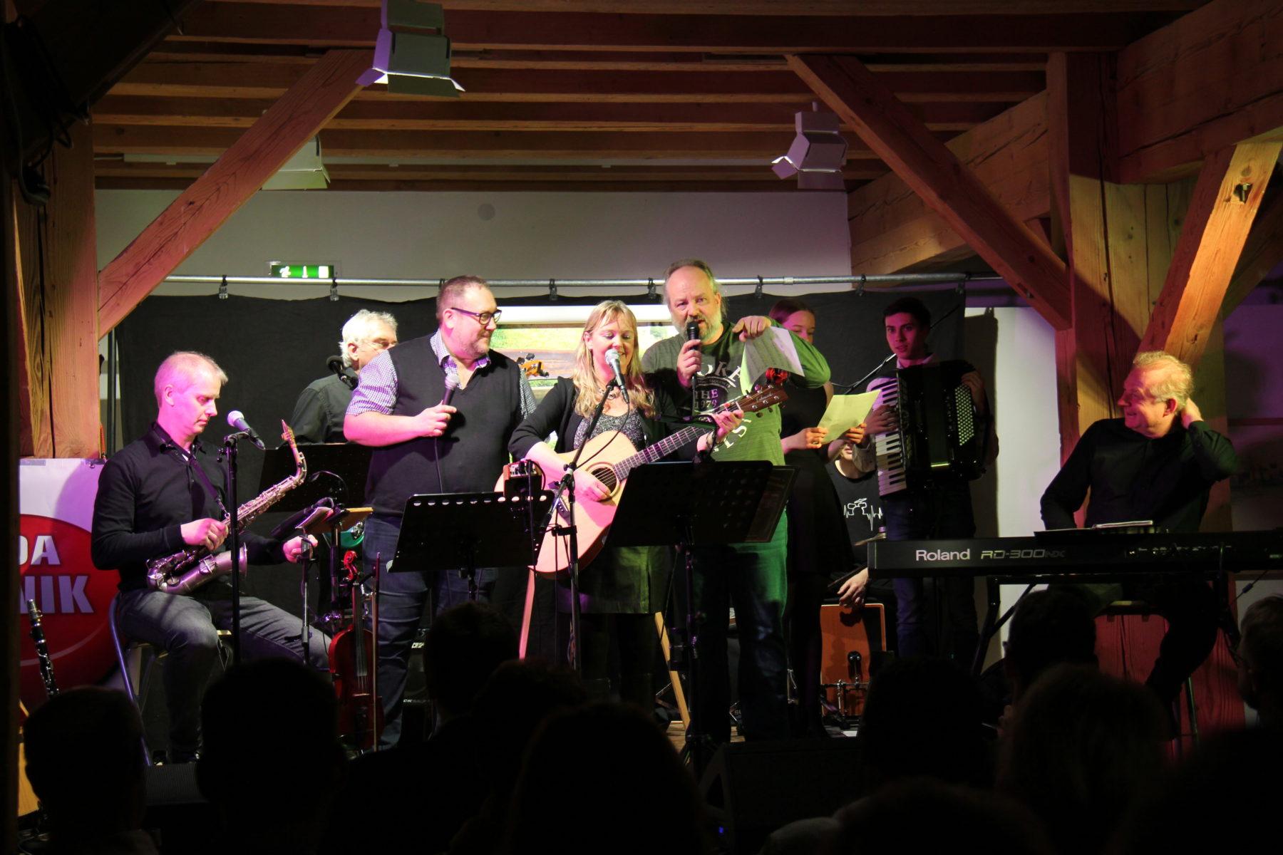 PfarrkirchenLied-DoBinIEinfachDahoam-WoifeChristlMrJonesKoaPANikBand-CD-Release-PAN-Live-08.03.2020
